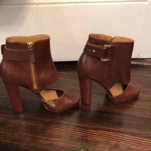 Size 6 Brand New Nine West peep toe high heel